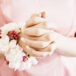 便秘に悩む花嫁イメージ