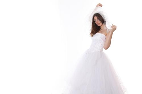 ウェディングドレスを選ぶイメージ